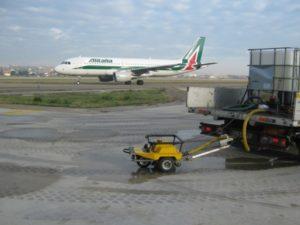 Fig.6 Prove di aderenza con GripTester in aeroporto